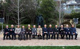 旧制甲南高等学校生銅像除幕式