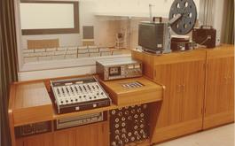 視聴覚教室(図書館)