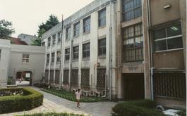 旧4号館の東側